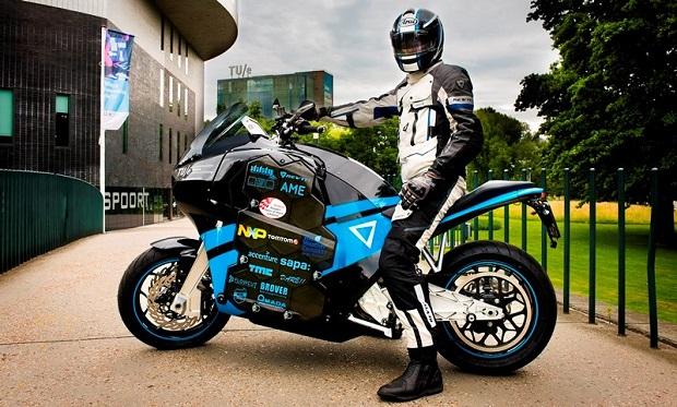 Първият в света електрически туристически мотор бе представен в София