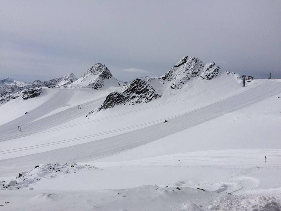 Откриват ски сезона в Австрийските Алпи (видео от  Тиефенбах)