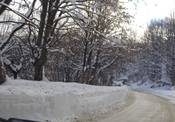 Проходът Троян – Кърнаре остава затворен до 16 януари