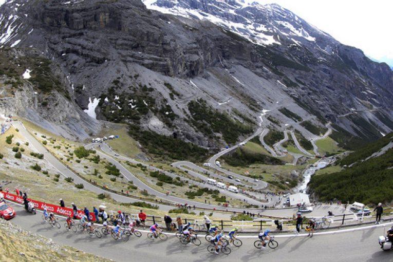 Passo dello Stelvio и Umbrail pass в 16-я етап на Джиро д'Италия