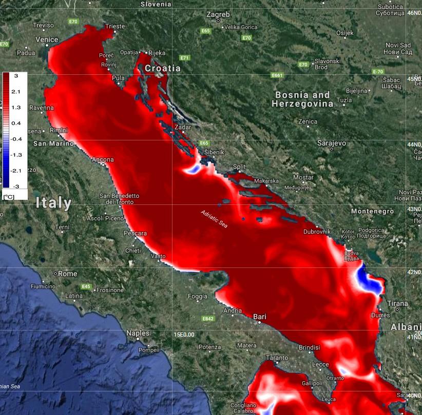 Адриатическо море кипна, водата стигна 30°C. Жегата на Балканите продължава