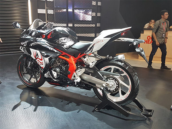 Photo of Honda представи специален спортен мотоциклет CBR250RR