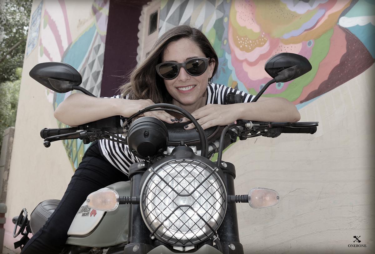 15 жени, които обикалят света с мотоциклет сами: 02 – Алисия Сорноса