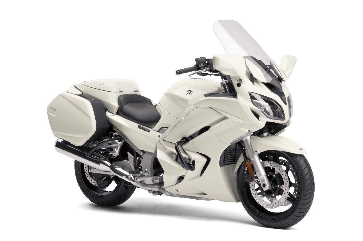 Полицейският мотоциклет Yamaha FJR1300P. Можеш ли да избягаш?