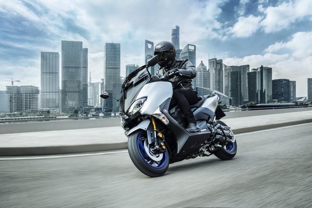 Yamaha разкри спортната версия на TMAX - SX Sport Edition (Видео)