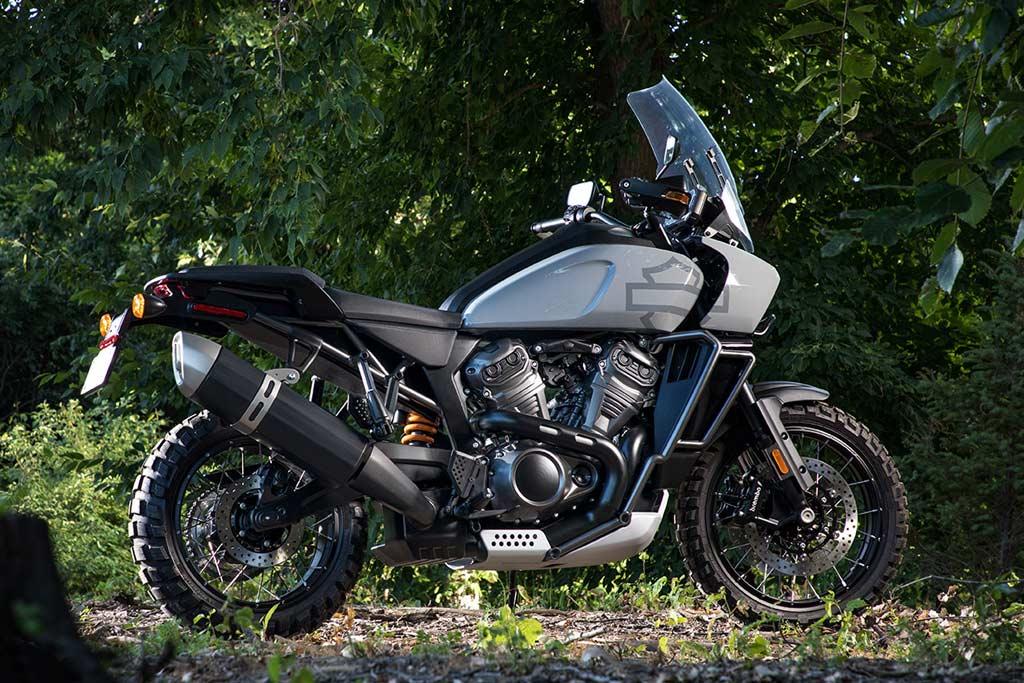 Photo of По-добре късно, отколкото никога. Harley-Davidson пускат първия си ADV мотоциклет