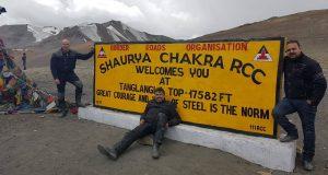 Тагланг Ла Топ 20 на най-високите проходи и пътища в света: гигантите в Хималаите и Андите
