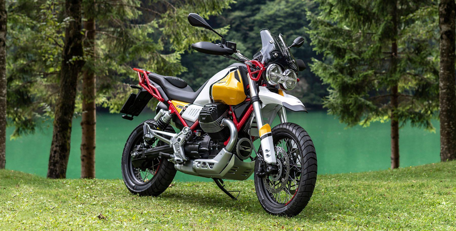Moto Guzzi V85 TT завърши трансформацията и идва с много стил и приключенско табло