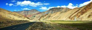Вари Ла Топ 20 на най-високите проходи и пътища в света: гигантите в Хималаите и Андите