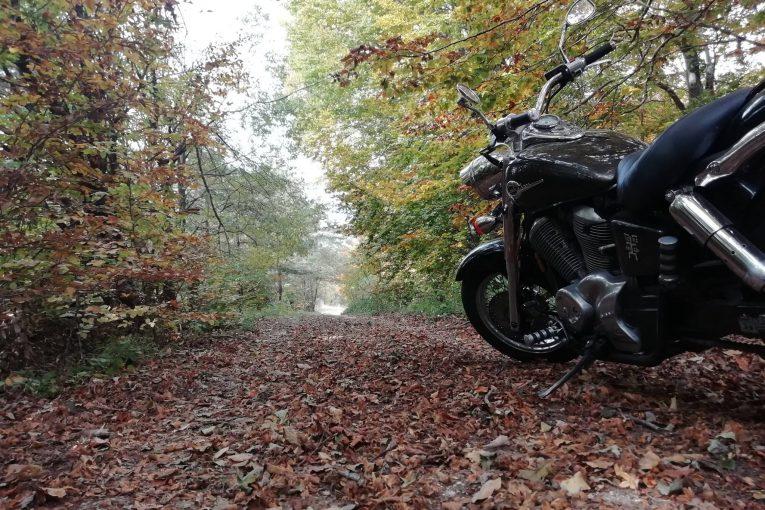 Златна есен в Алпите и на Балканите - последен шанс за мототуризъм в тази част на Европа. Проходите са отворени