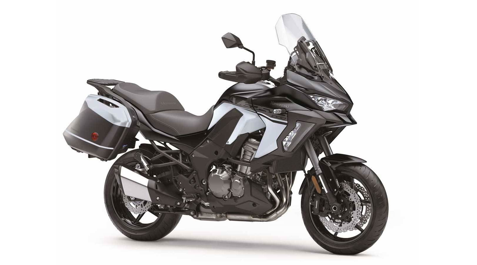Обновеният Kawasaki Versys 1000 SE LT идва с различна визия, свръхтехнологии и много екстри