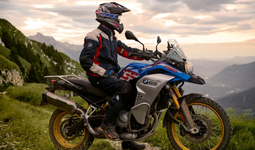 Новият BMW F 850 GS Adventure: По-добра протекция и пробег