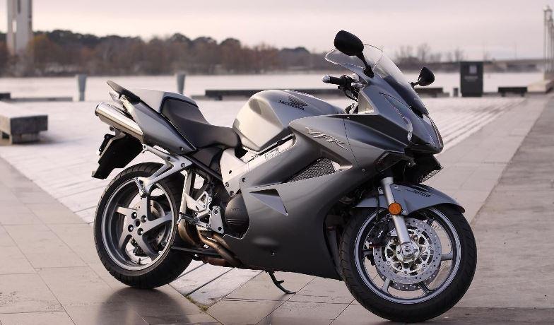 Honda VFR800 (2002-2013) – Вашите мнения