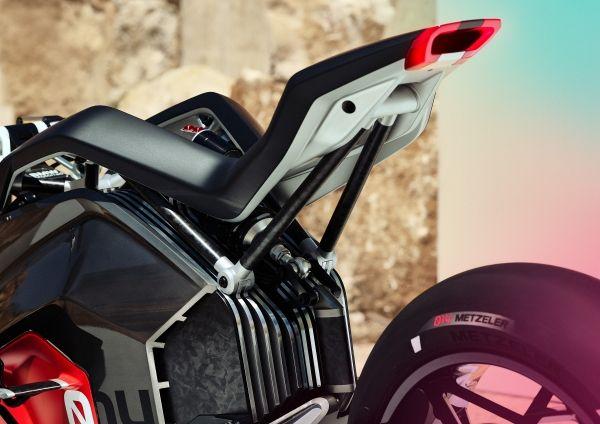 P90354718_lowRes_bmw-motorrad-vision-