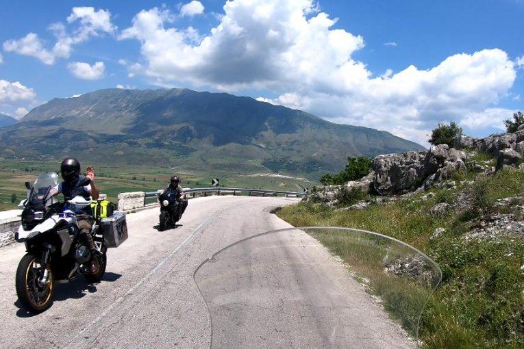 Проходът Музинес (SH78: Qafa e Muzinës) и Синьото око на Албания