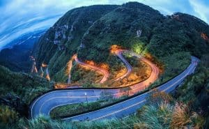 Осветеният път - Serra do Rio do Rastro: Раят за мотористите в Бразилия