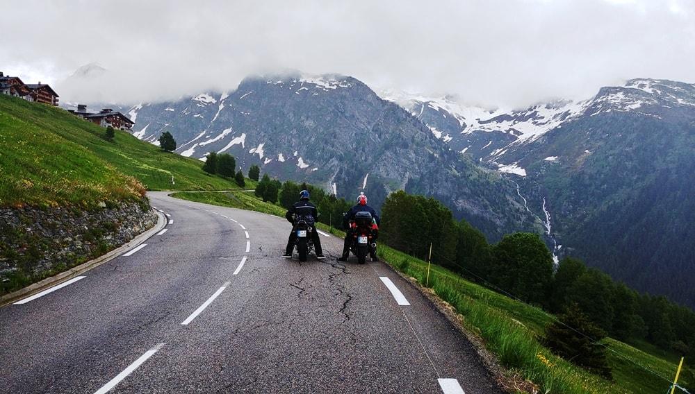 Photo of Проходът Малък Сан Бернар – Little St. Bernard Pass: Богата история и чуден за каране на мотоциклет
