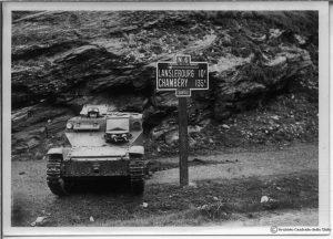 Танк на фронта на западните Алпи, на границата с Франция, 25 юни 1940г
