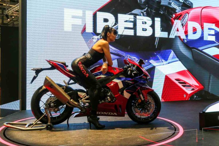 Бруталният Honda Fireblade 2020 – интервю с главния инженер на машината