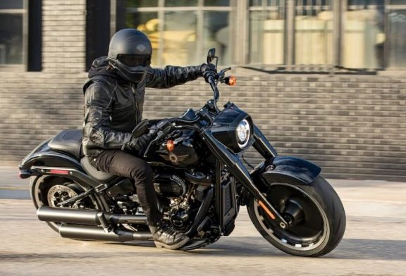 Harley-Davidson Fat Boy става на 30 години