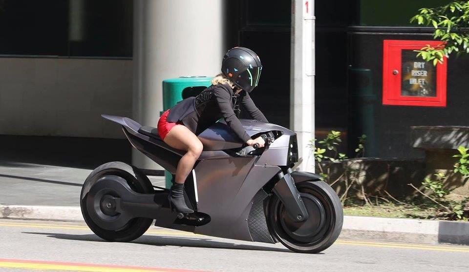 Photo of Западен свят III: Долорес кара автономен ел. мотоциклет в новите серии