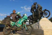 Мото отбивки: Статуята на Фабрицио Меони и KTM