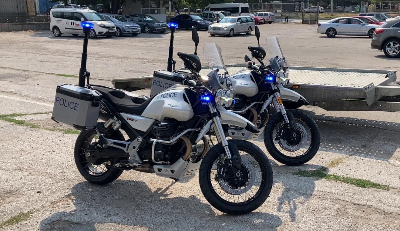 Полицията в Русе се въоръжи с Moto Guzzi V85TT Adventure